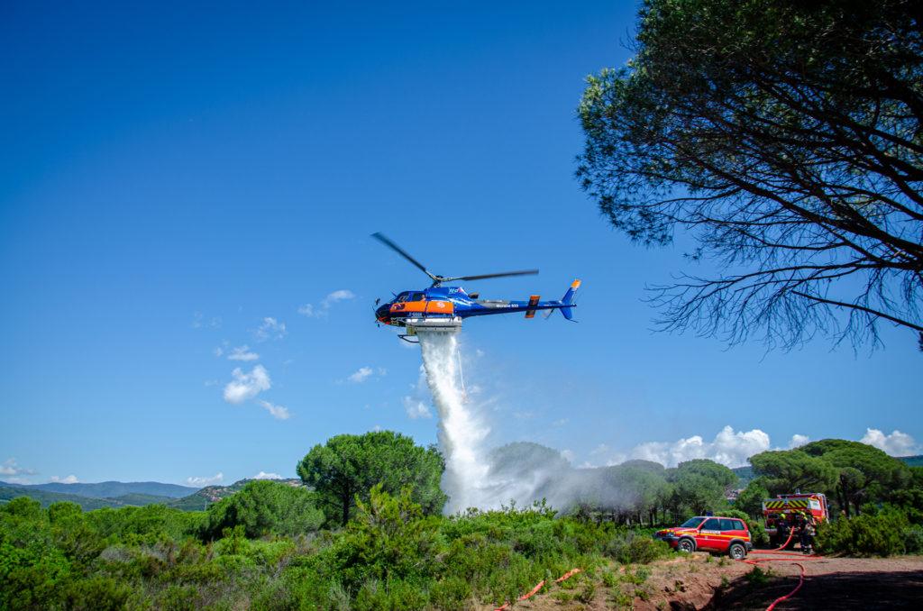 Travail aerien - Lutte contre les feux de forêt - Mont Blanc Hélicoptères Bordeaux